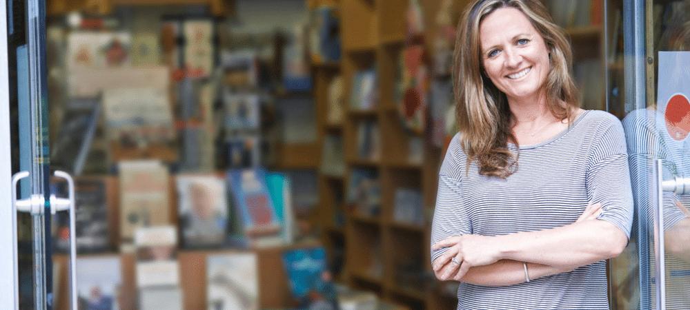 hoe krijg je een zelf uitgegeven boek in de boekhandel?